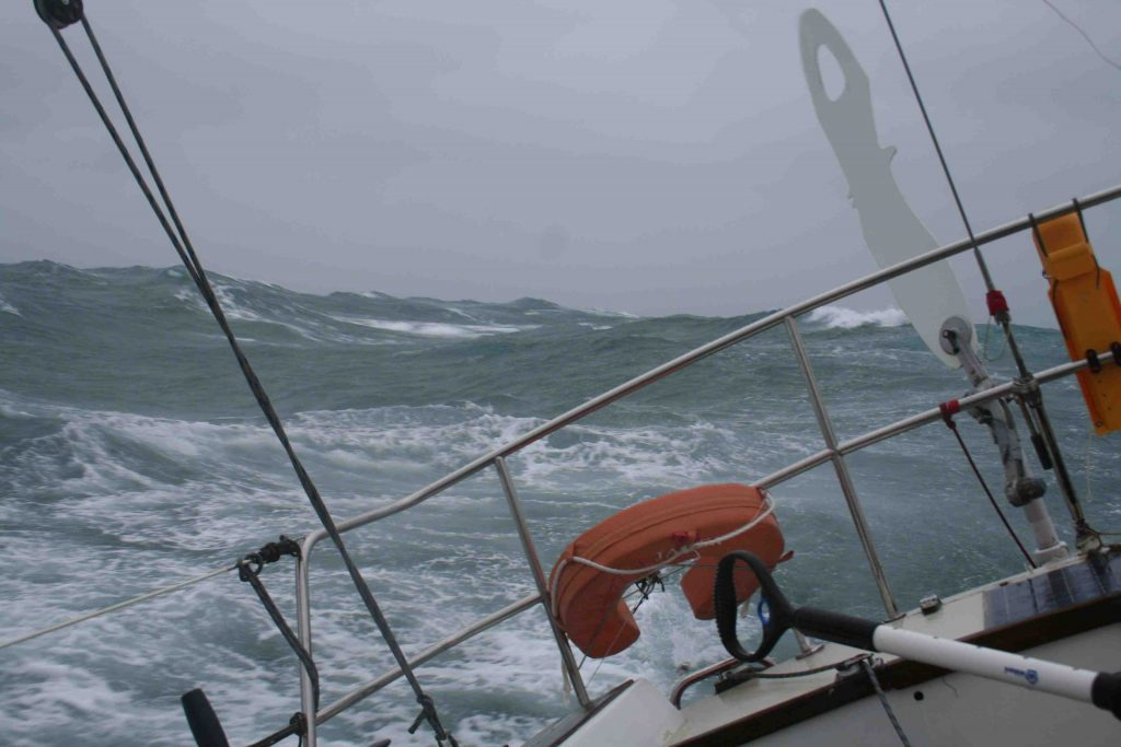 SY Jager in storm